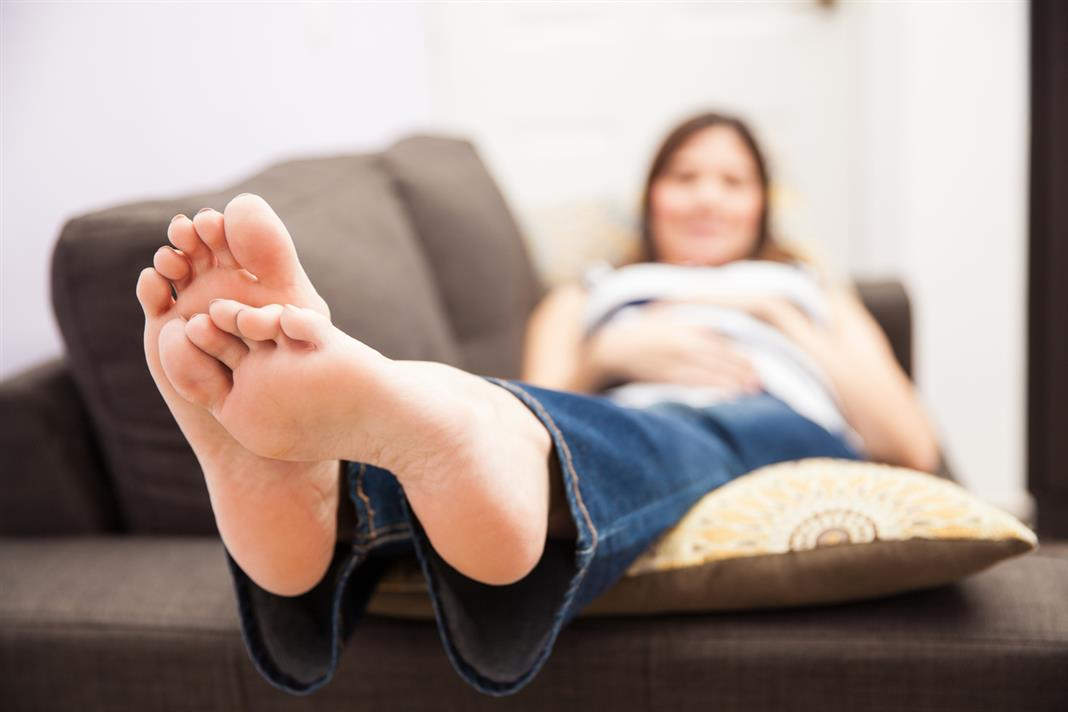 7 Solutions to Get rid of Swollen feet during Pregnancy