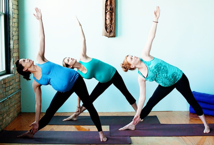 5 Prenatal Yoga Sideways Swings You Can Try