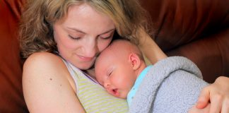 Cuddling Your Baby is Very Important - Science Reveals!
